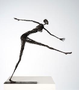 Sculpture Sophie Jouan - Femme pressée